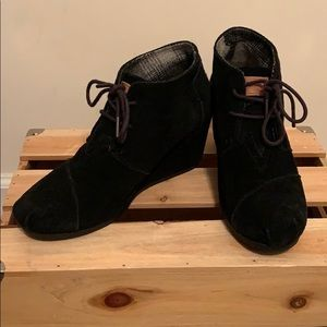 TOMS black suede booties size 8.5